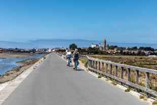 Touristes à vélo à Noirmoutier
